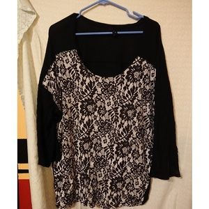 Tops - B/w floral top
